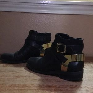 I am selling booties!!